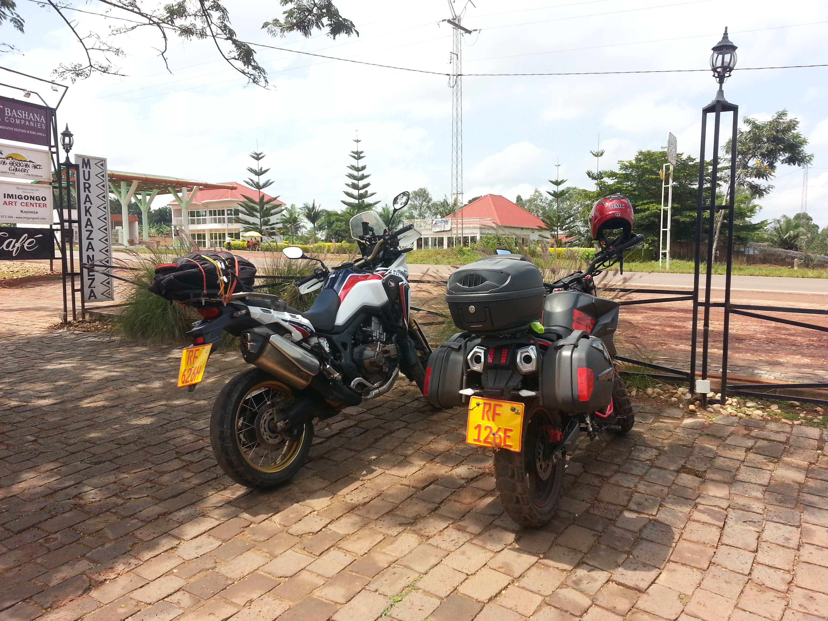 Encounter with a fellow biker in Kayonza